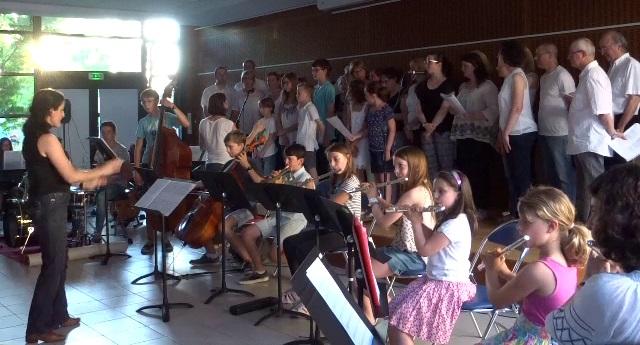 """""""Tous les Cris les SOS"""", par l'orchestre junior et les chorales"""