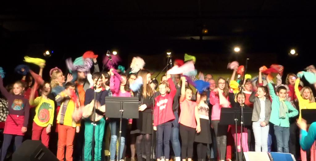 chant final Colore, par les chorales de l'école de musique de Sautron