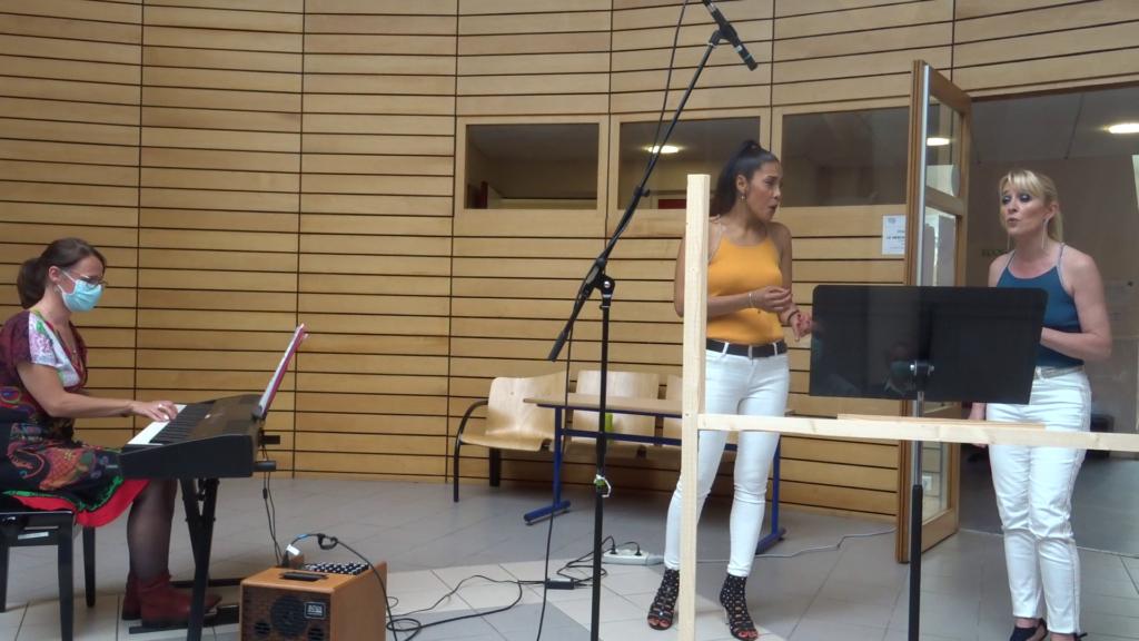 """Anne-Sophie et Barbara chantent """"Avant toi"""", de Vitaa et Slimane"""